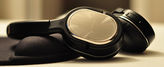First Look: The Nokia BH-905i Bluetooth Headset